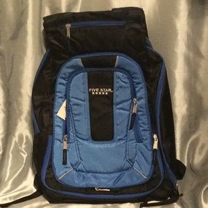 Expandable Backpack, great for travel carryon, NWT